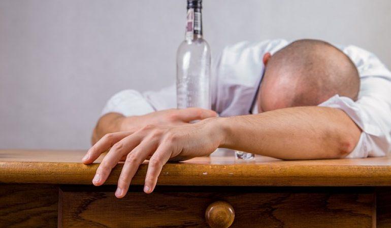 Mantida justa causa a empregado que foi trabalhar embriagado